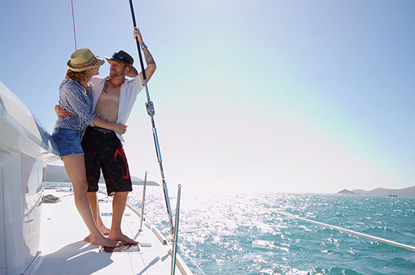 Couples can cruise the Whitsunday's with WRAY