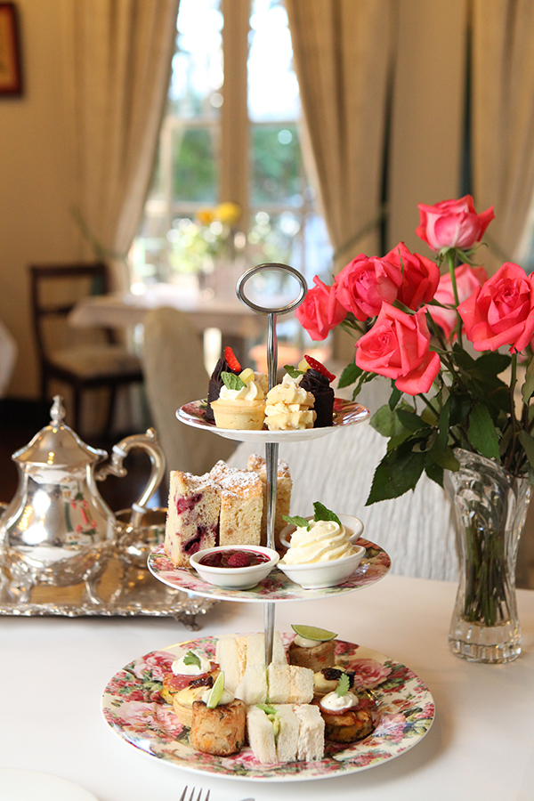 Wedding Gift Ideas Brisbane : ... Youll Love Celebrating Your Wedding Milestone at Room With Roses
