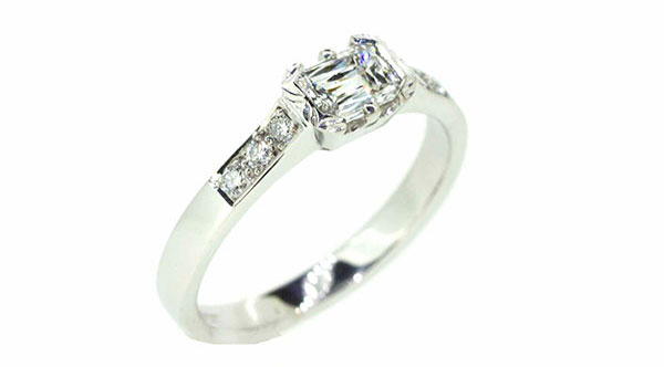 clayfield-jewllery-engagement-ring