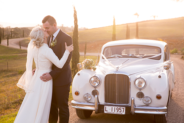 Christie & Travis married at Glengariff Historic Estate. Photos: Milque Photography and Films