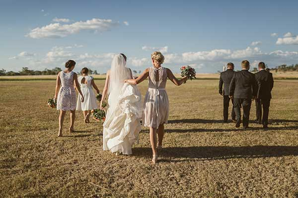 bridesmaids-in-field