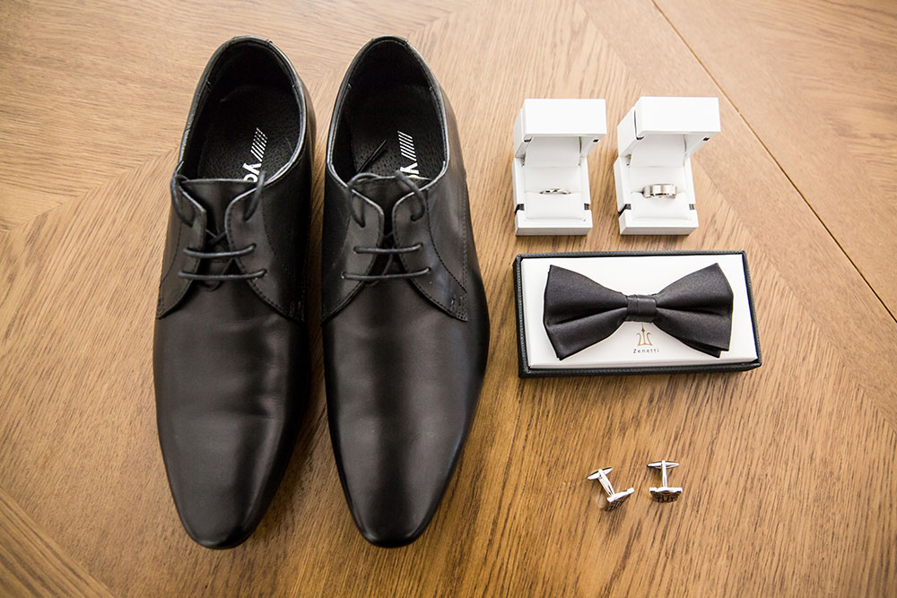 The grooms accessories