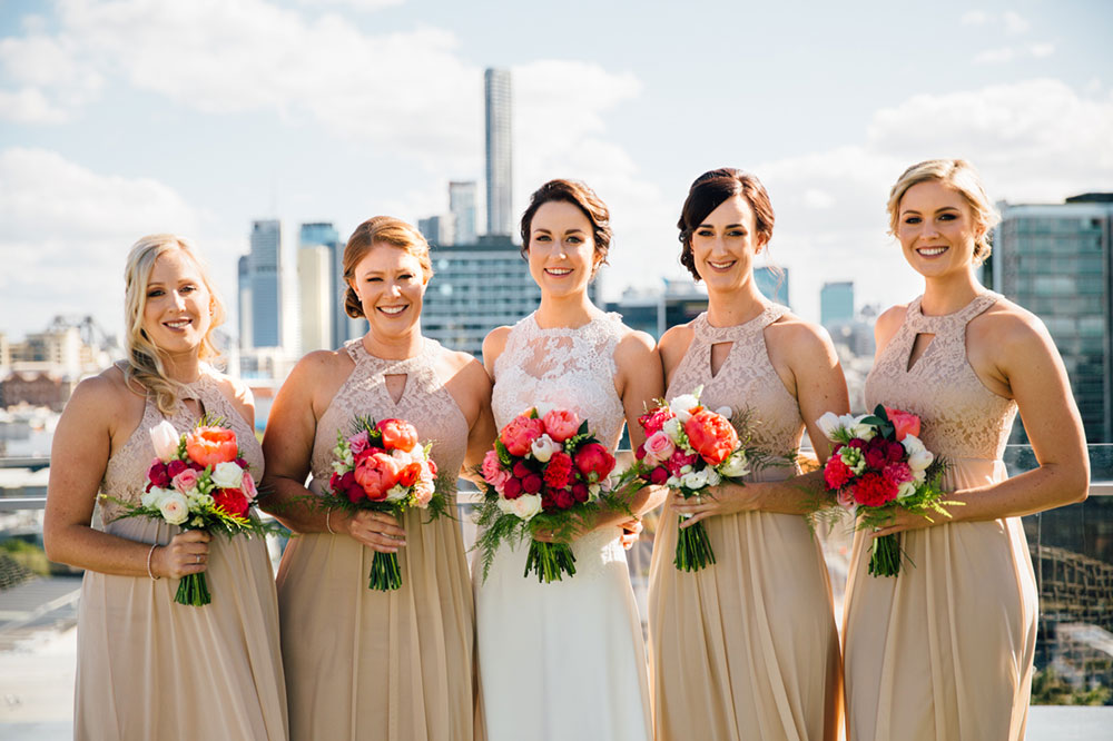 Elin and her bridesmaids