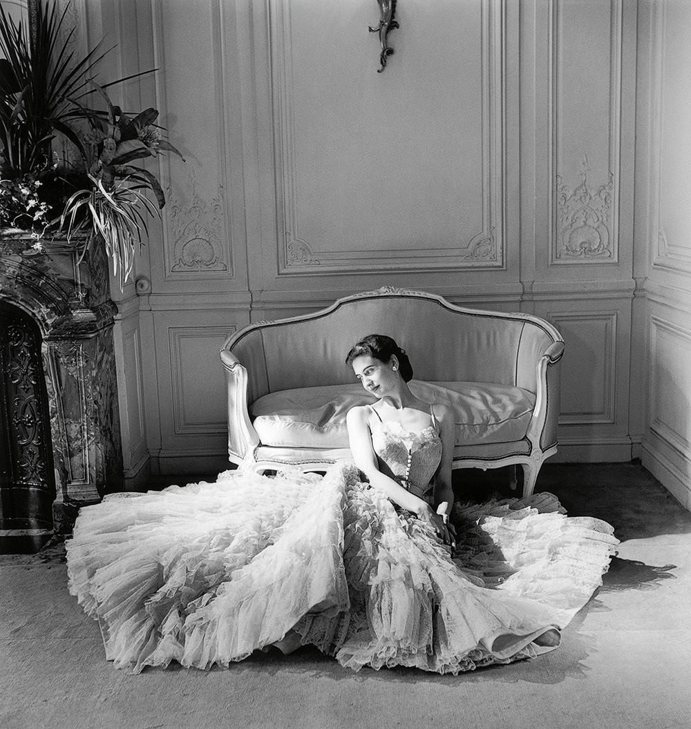 Christian Dior Eugenie dress, autumn−winter 1948 haute couture collection © Willy Maywald/ADAGP, Paris. Licensed by Viscopy, Sydney