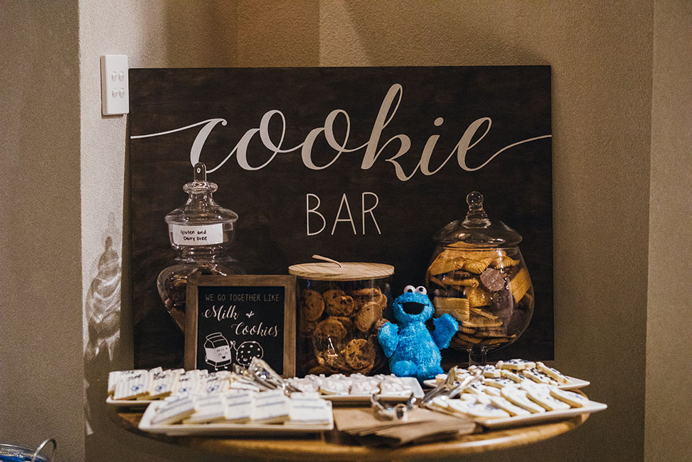 The cookie bar