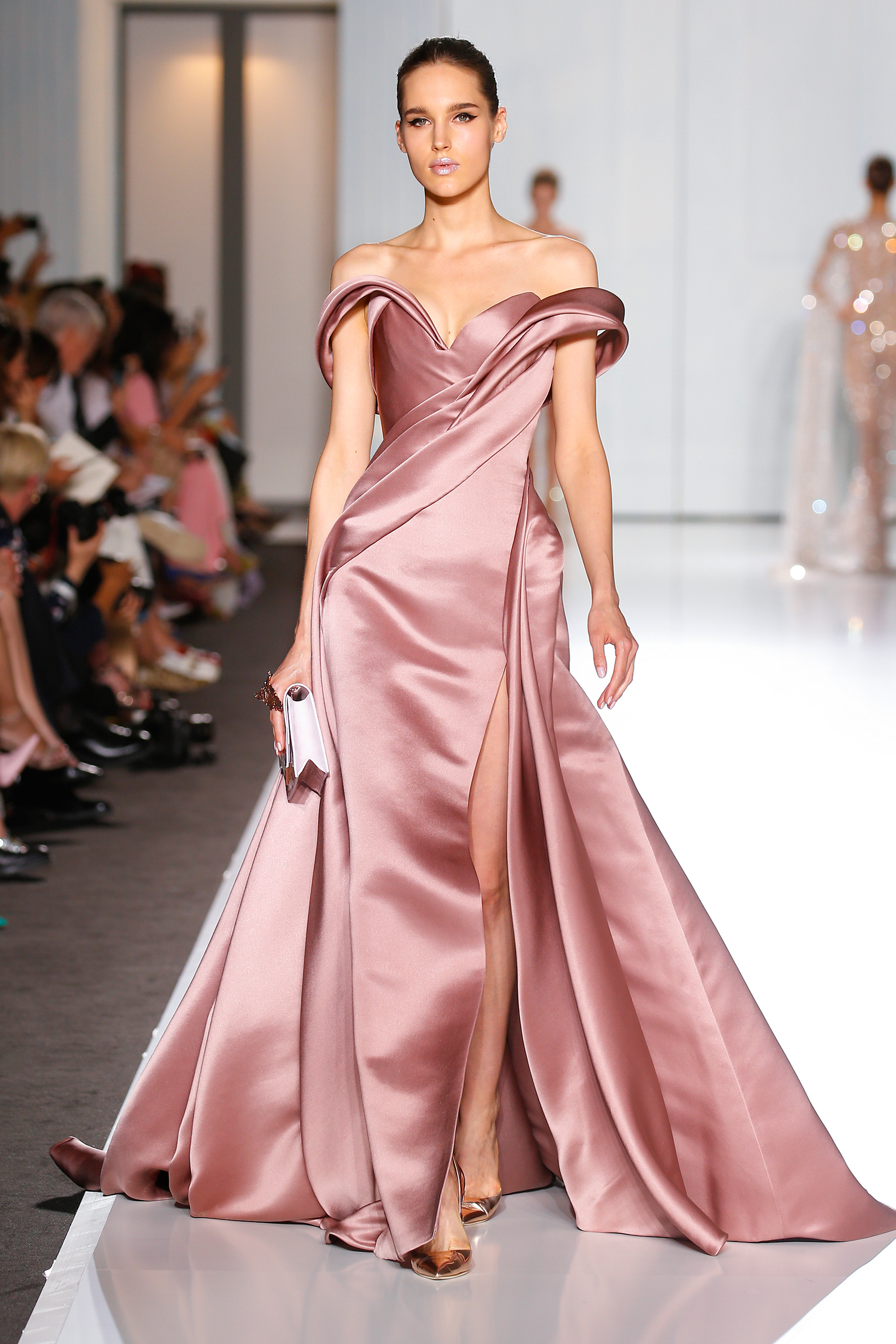 Ralph-&-Russo-fashion-feature-Spring/Summer2017/18