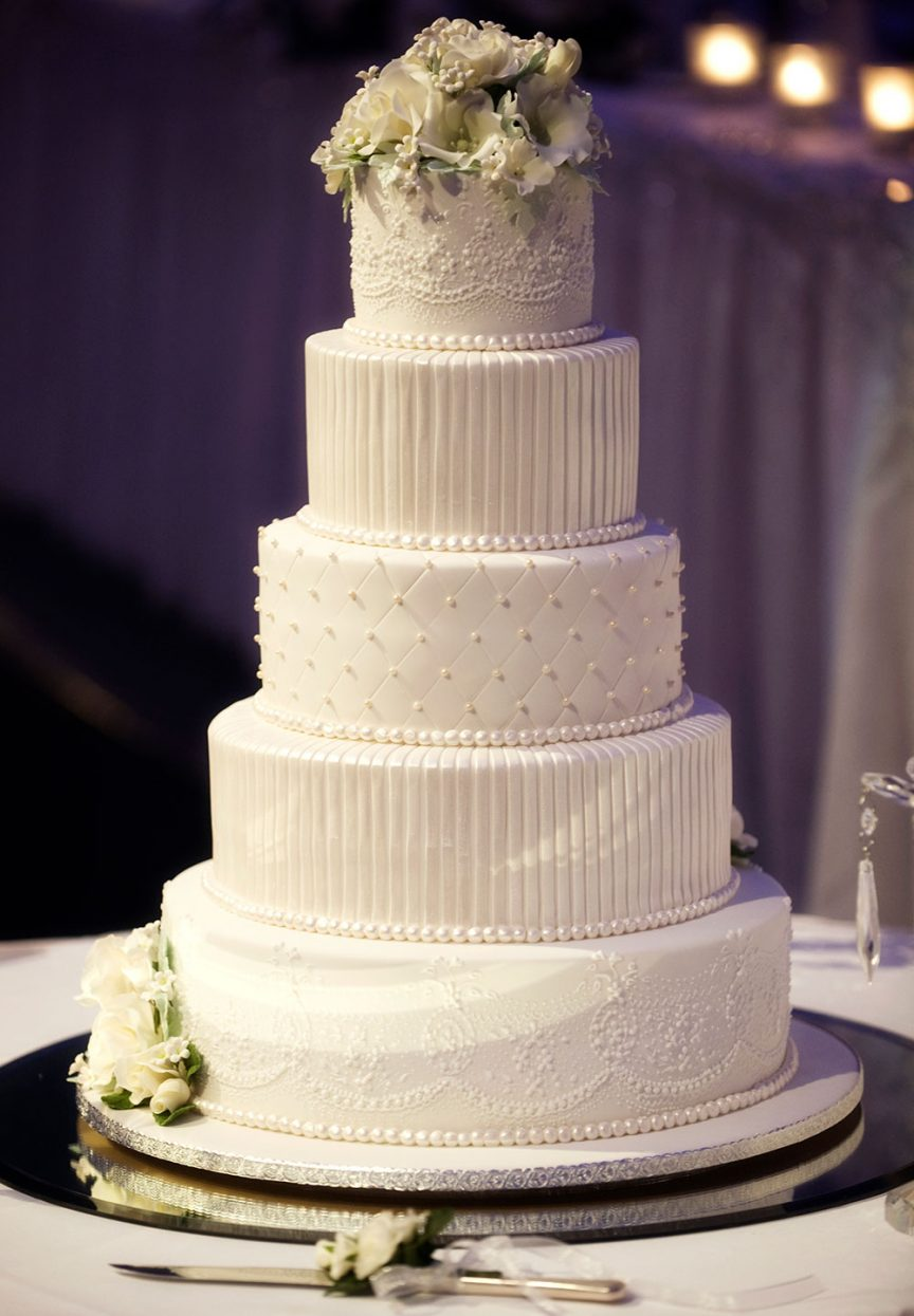 5-tier classic cake. Photo: Sterling Studios.