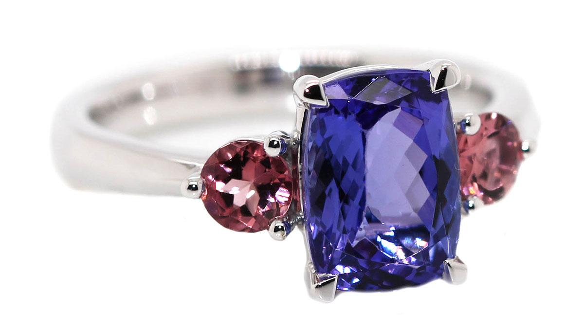 engagement rings- emerald
