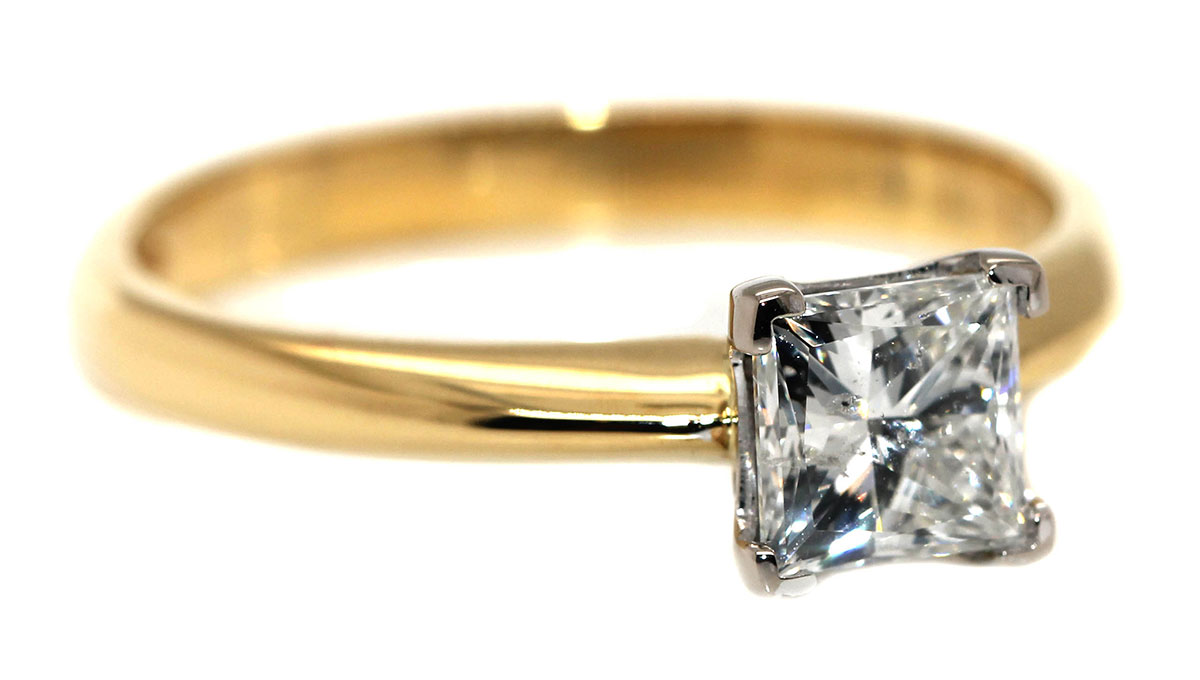 engagement rings - the square / princess