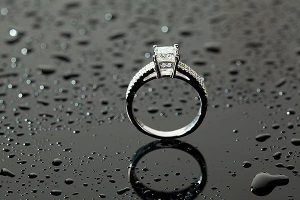 The 'Square' diamond ring