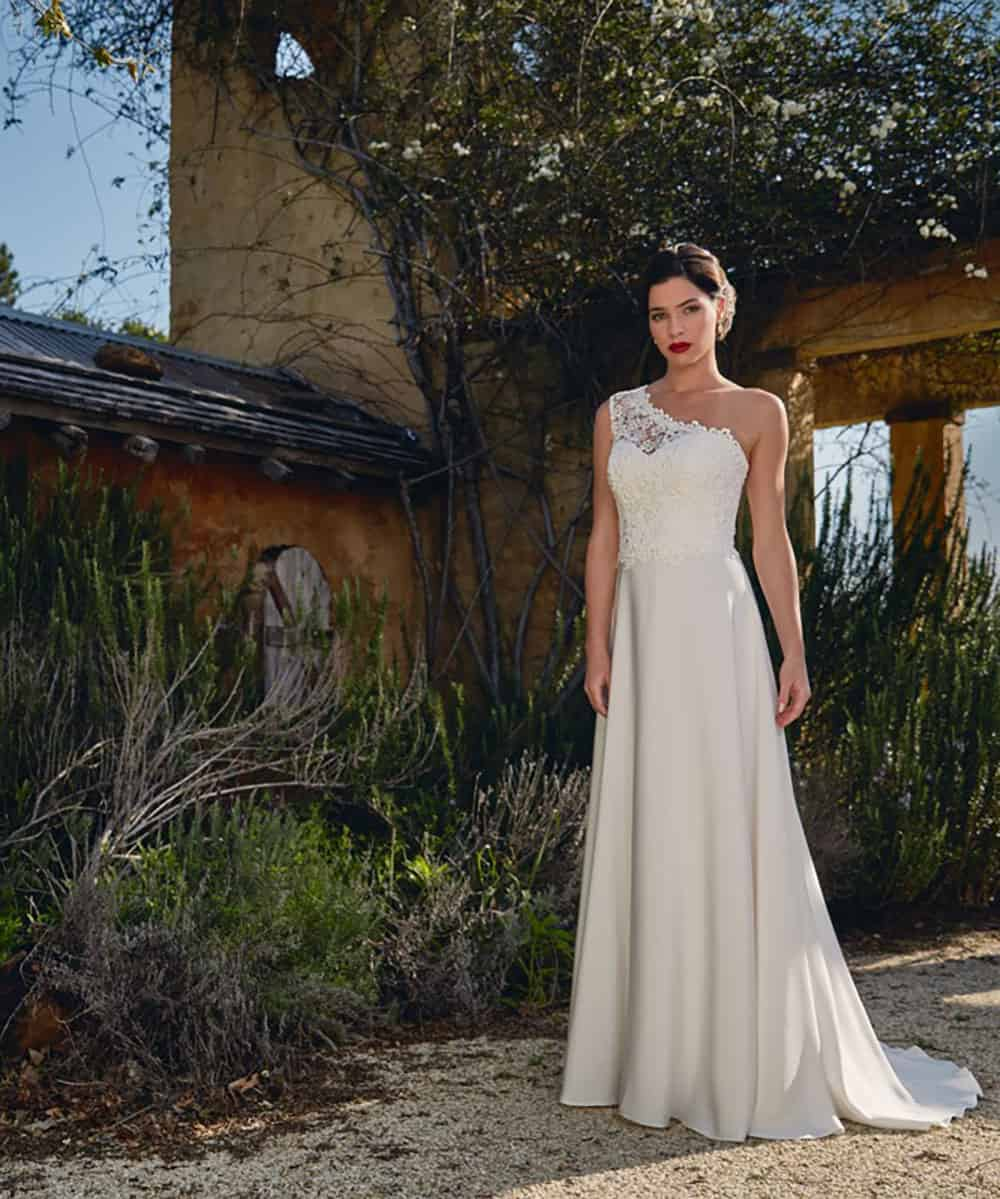 The Pippa one shoulder gown from Bertossi Brides 16-17 collection.