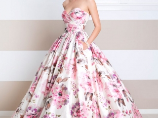Wendy Makin Bridal Designs floral wedding dress.