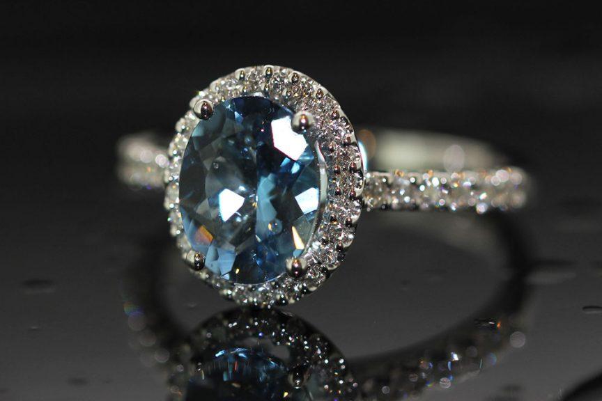 Aquamarine oval shaped diamond