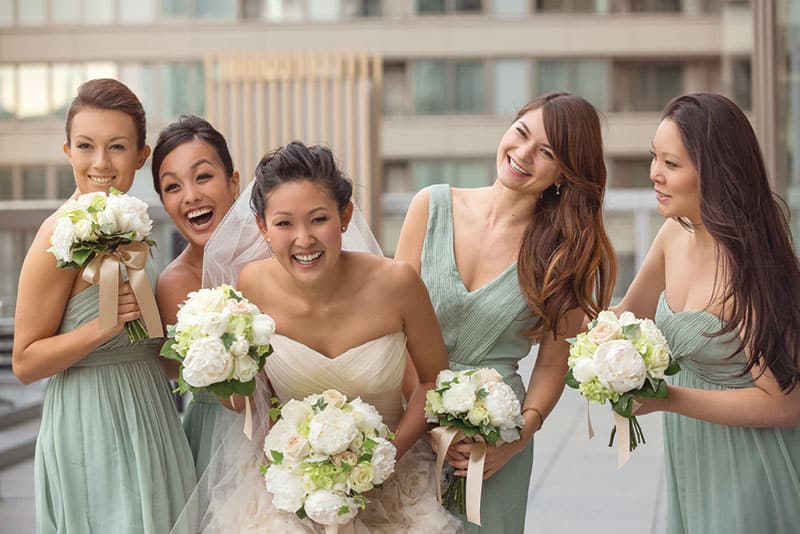 Pale green bridesmaid dresses. Photo: 37frames