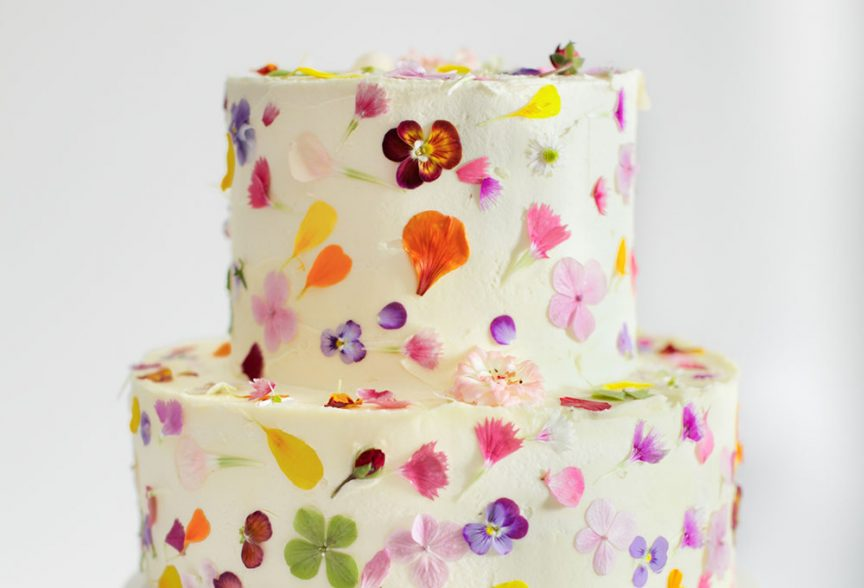 10 things you need to know about wedding cakes queensland brides pretty flower cake by gillian bell mightylinksfo