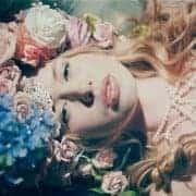 Boho beauty bridal look.
