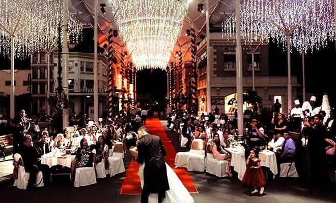 Stars Pavilion Red Carpet wedding at Warner Bros. Movieworld