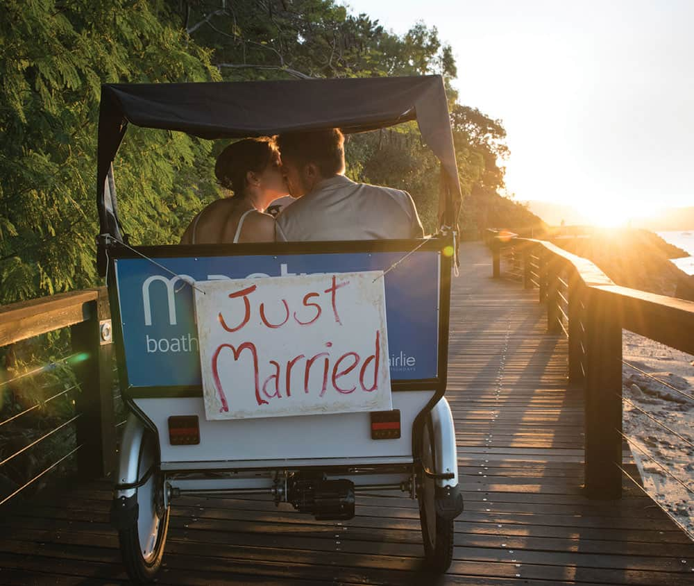 reception trends: just married tuk-tuk.