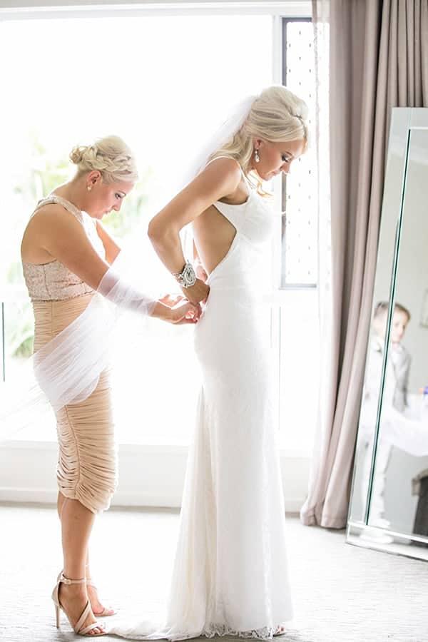Bride, Alicia, getting ready