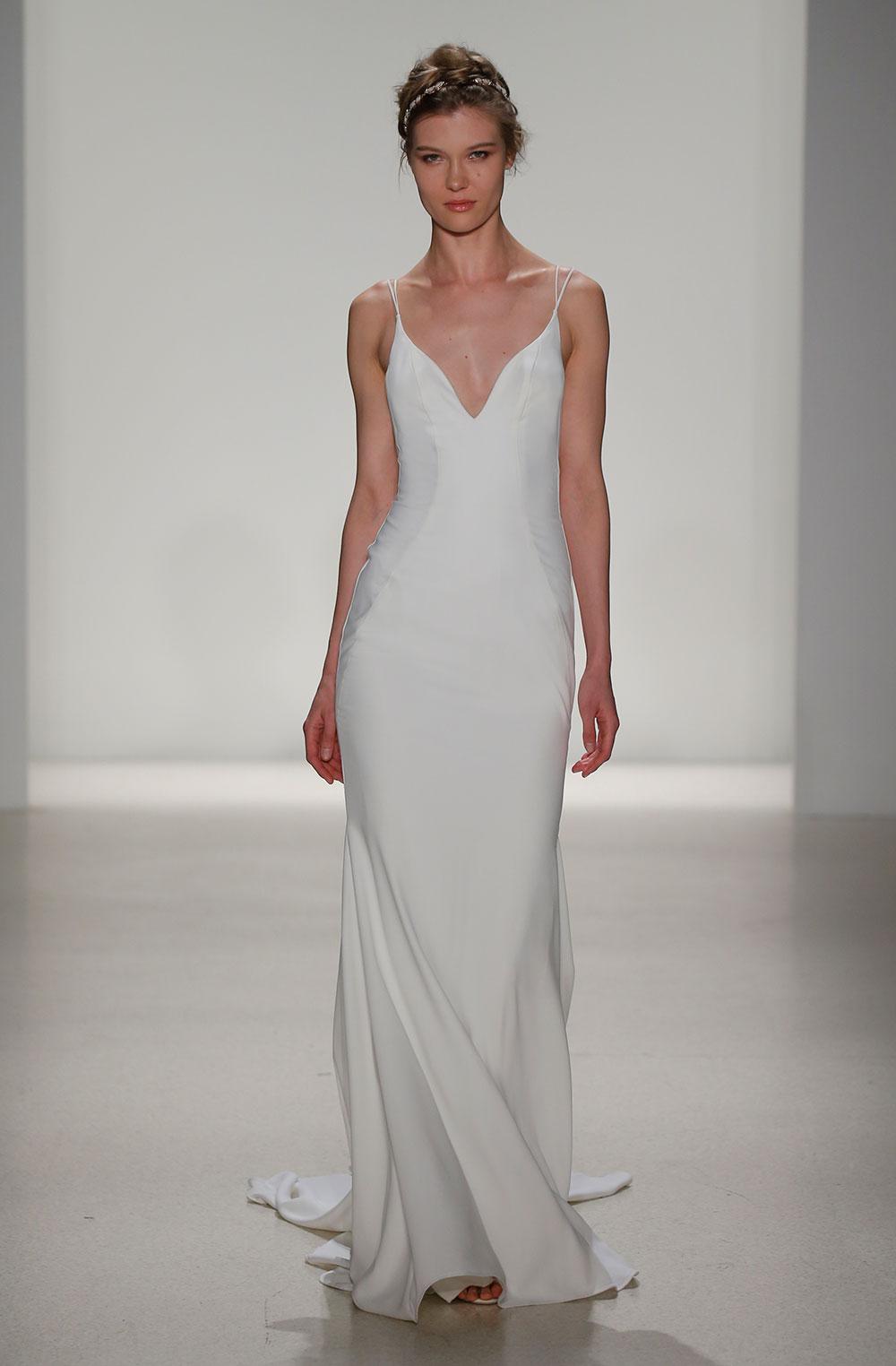 Minimalist bride: Kelly-Faetanini