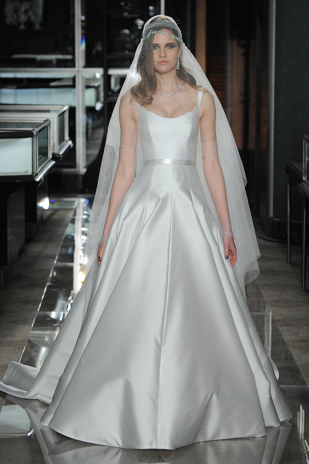 Minimalist bride: Reem-Acra