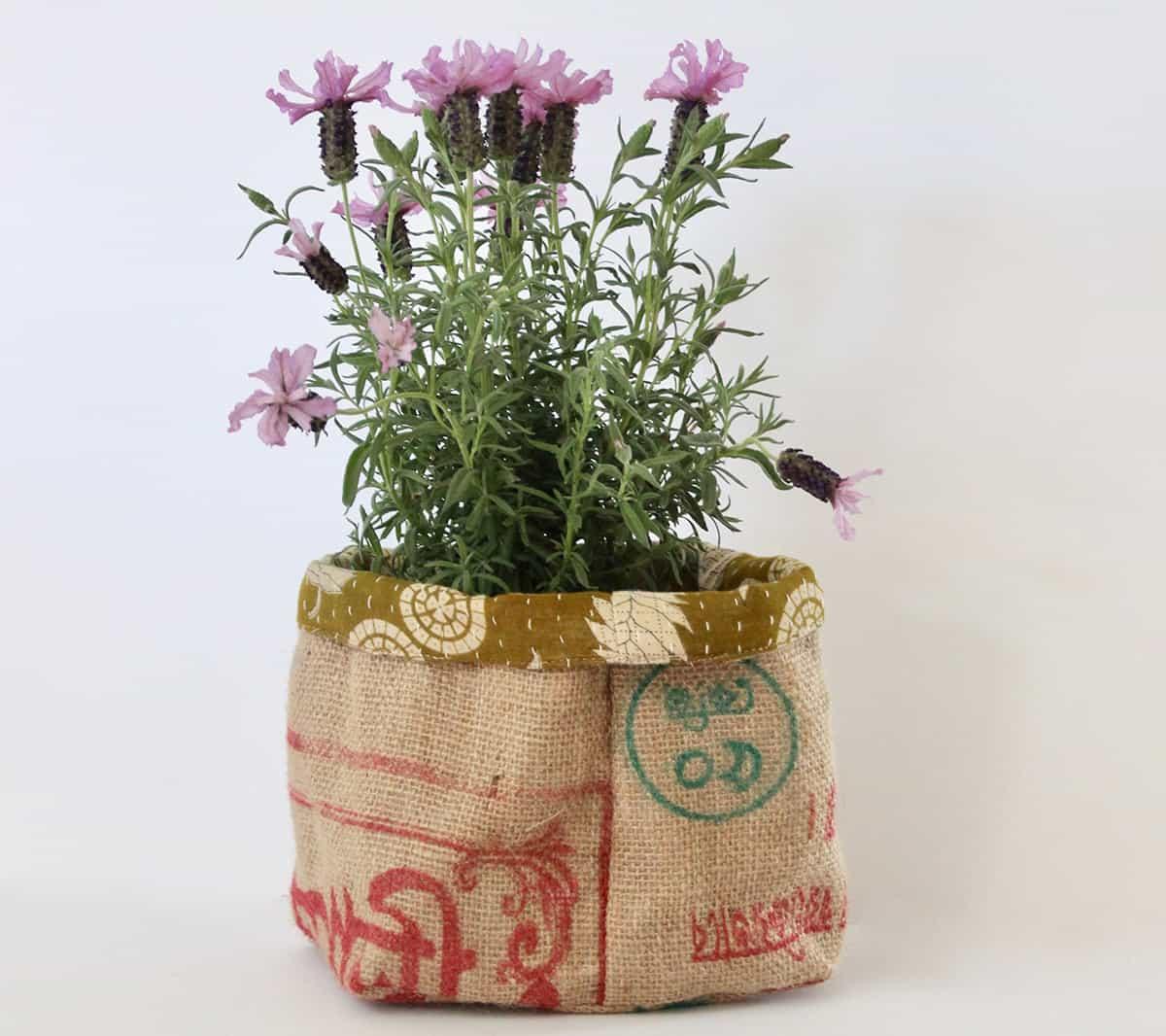 Jute-Pot-Plant-Holders-&-Baskets-