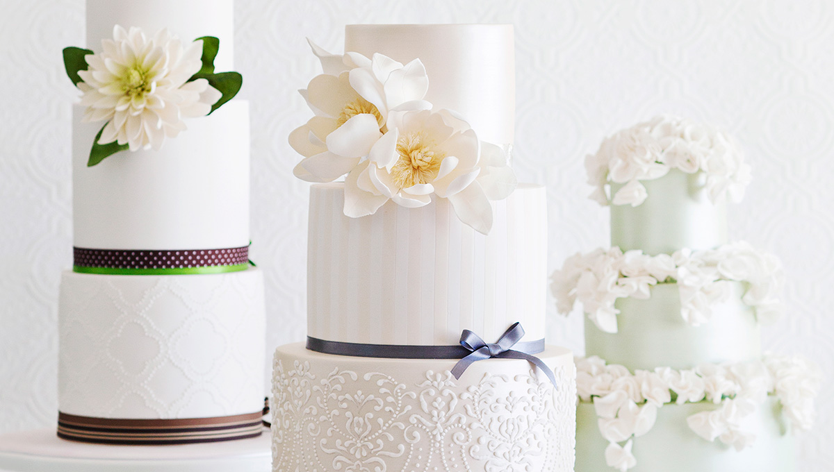 Faye-Cahill cakes - Queensland Brides