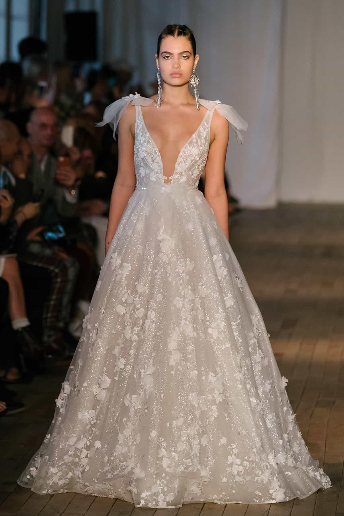 Berta Wedding Dresses.Bridal Fashion Week Spring 2019 Berta Bridal S S 2019 Collection