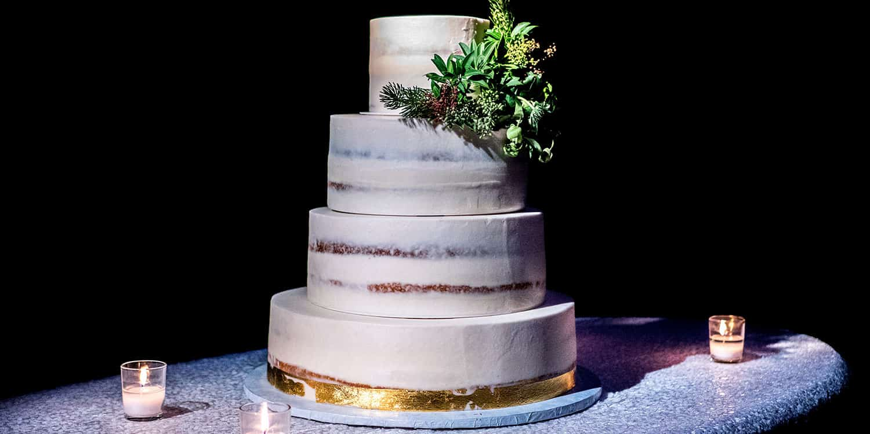 wedding cake unsplash