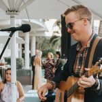 Tips for having an acoustic musician at your wedding