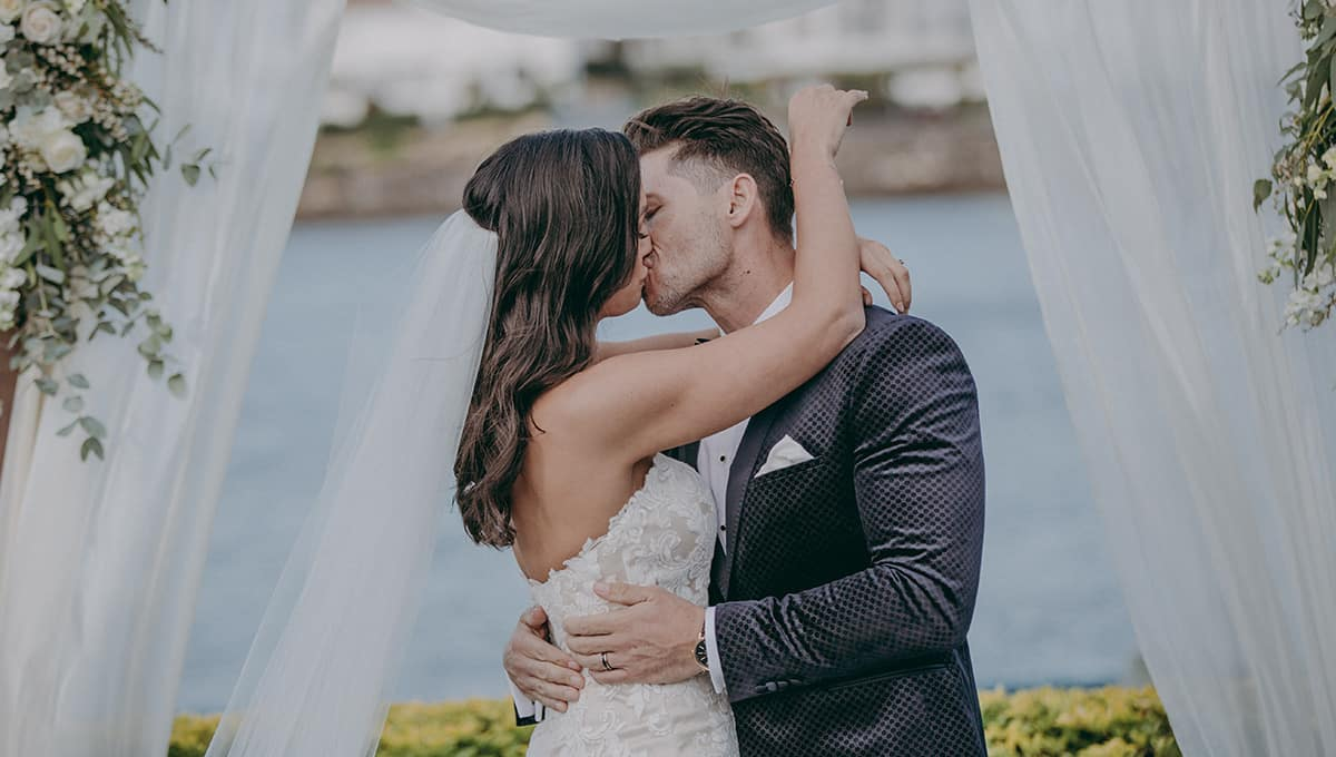 From-the-wedding-of-Amanda-and-Maurice-Landing-at-Dockside