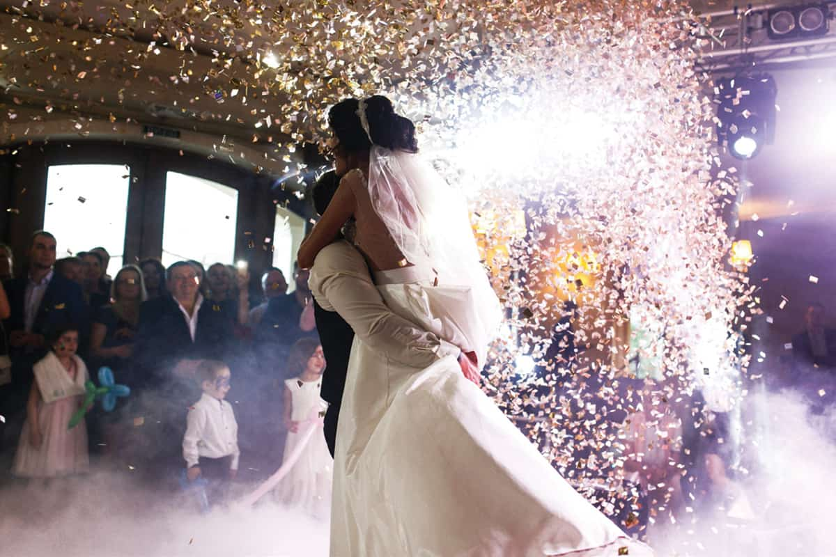 Ready-Set-Reception-Lavish-Modern-confetti-drop-from-Fotolia